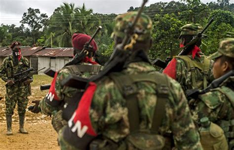 Five wounded as ELN attacks vehicles and pipeline
